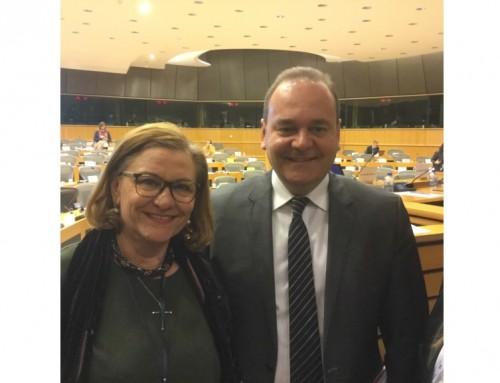 Maria Grapini față în față cu oficialul Consiliului UE. Europarlamentarul a adus în discuție subiecte importante pentru economia comunitară.