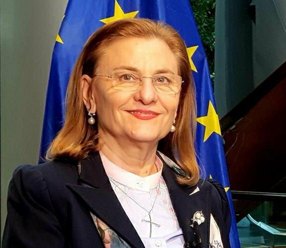 Invitat special al Galei Tinerilor Surzi din România. Maria Grapini, alături, la Timișoara, de cei pe care-i ajută permanent!